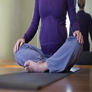 کارگاه آموزش یوگا در دوران باروری (از بلوغ تا یائسگی)